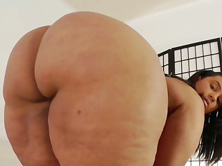 BBW latina mommy Tiffany solo strengthen