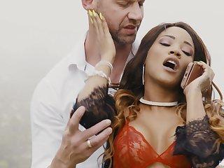 Uninspired dude with a monster dick fucks ebony pornstar Kiki Minaj