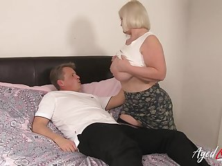 Amazing content adjacent to mature lady coupled with her passion be advantageous to hardcore experience