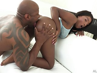 Large dick boning for devious ebony dazzler Daya Knight