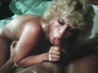 Hard Fucking The Deathless Blonde MILF Take Sexy Body