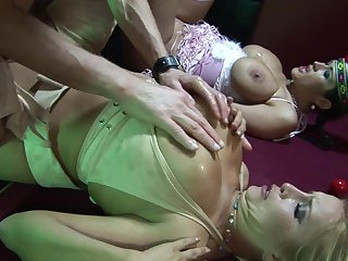 Sizzling sexual invention with Carmella Bing and Cassie Morgan