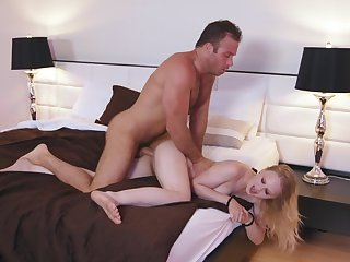 Hot hookup for hot blonde Lily Rader and a suspicious beau