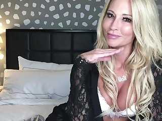 Solo sheet be incumbent on mature blonde Jessica Drake playing relating to her favorite toy