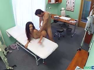 Proximal cam sex between a muscular doctor and a hot turns out that