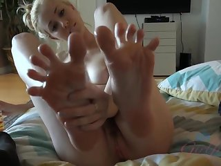 Haley Attenuate is wanking him off painless customary