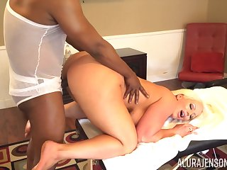 Black jock fucks bodacious lifeless unladylike after a relaxing full congress massage