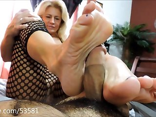 Mom Footjob Fetish