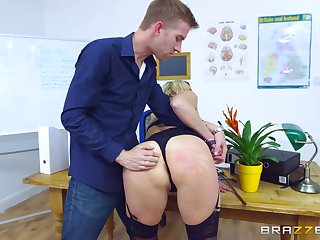 Young lover gets rough when making MILF Brittany Bardot his grumble