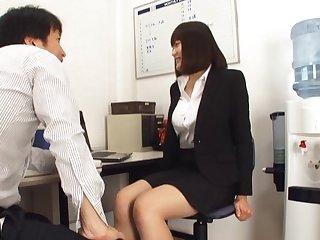 Sex-crazed Japanese secretary Suzuki Risa opens her legs in the office